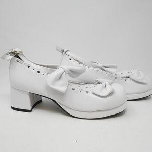 Shoes - White Pump Women's shoe